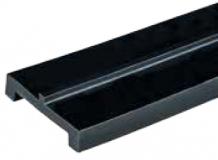 S026363681 - Rexnord (Marbett) láncvezető csúszóprofil, UHMWPE, fekete, 43 mm széles, középen 3x3 mm megvezetővel, 6 m, cikksz.: 10375823